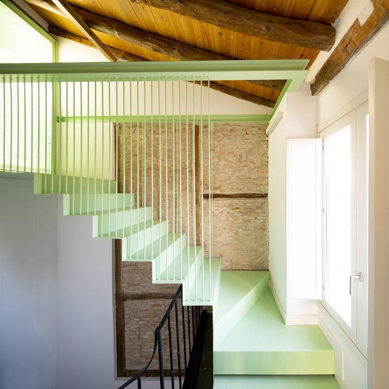15_escalera subida cubierta