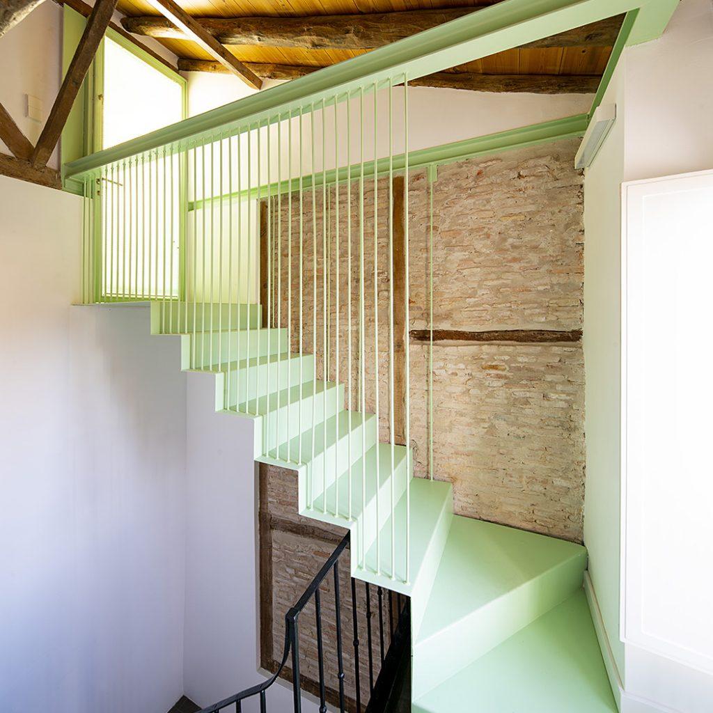 16_escalera subida a cubierta